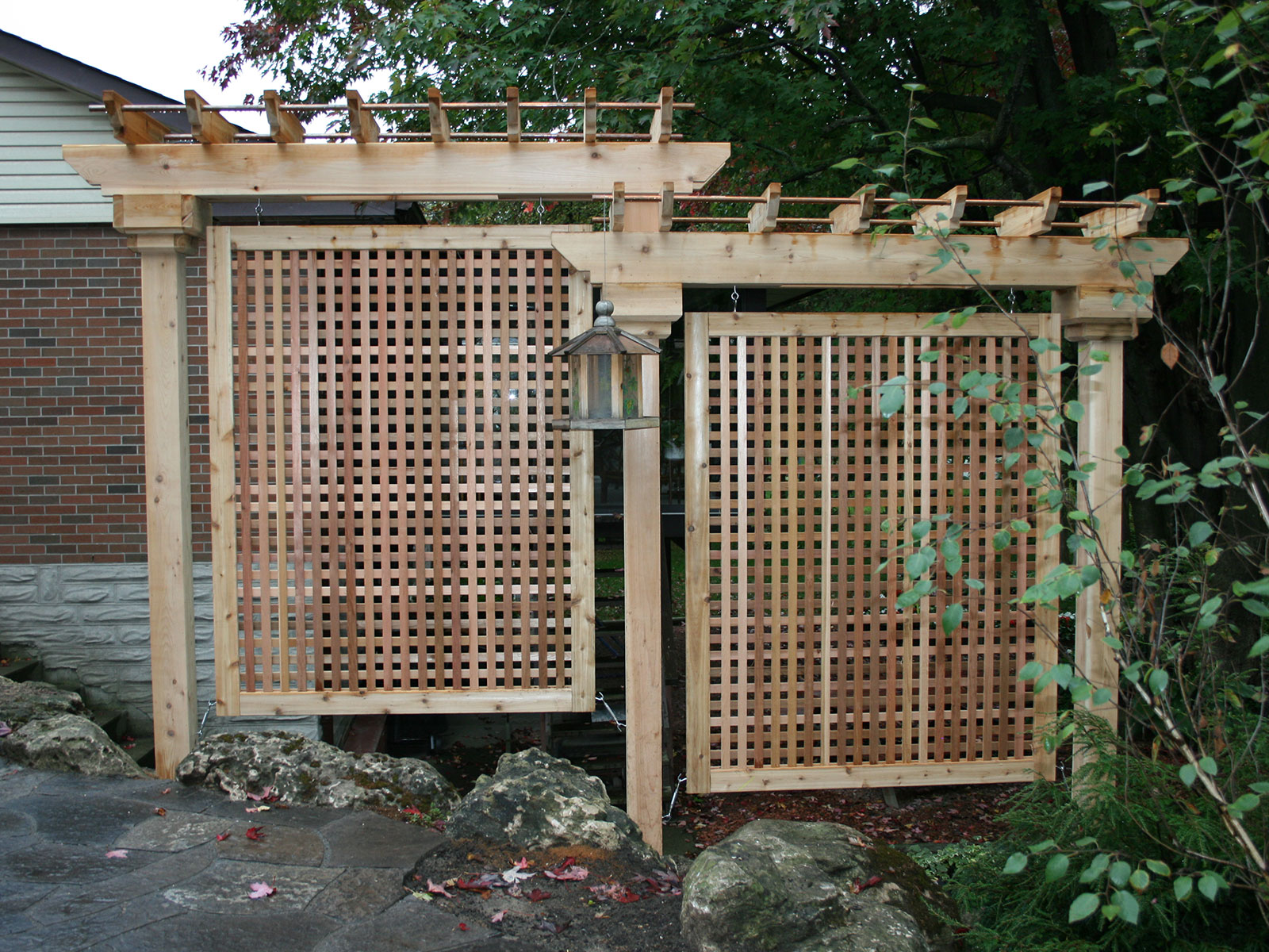 Cedar Square Lattice Privacy Screens - Arbor