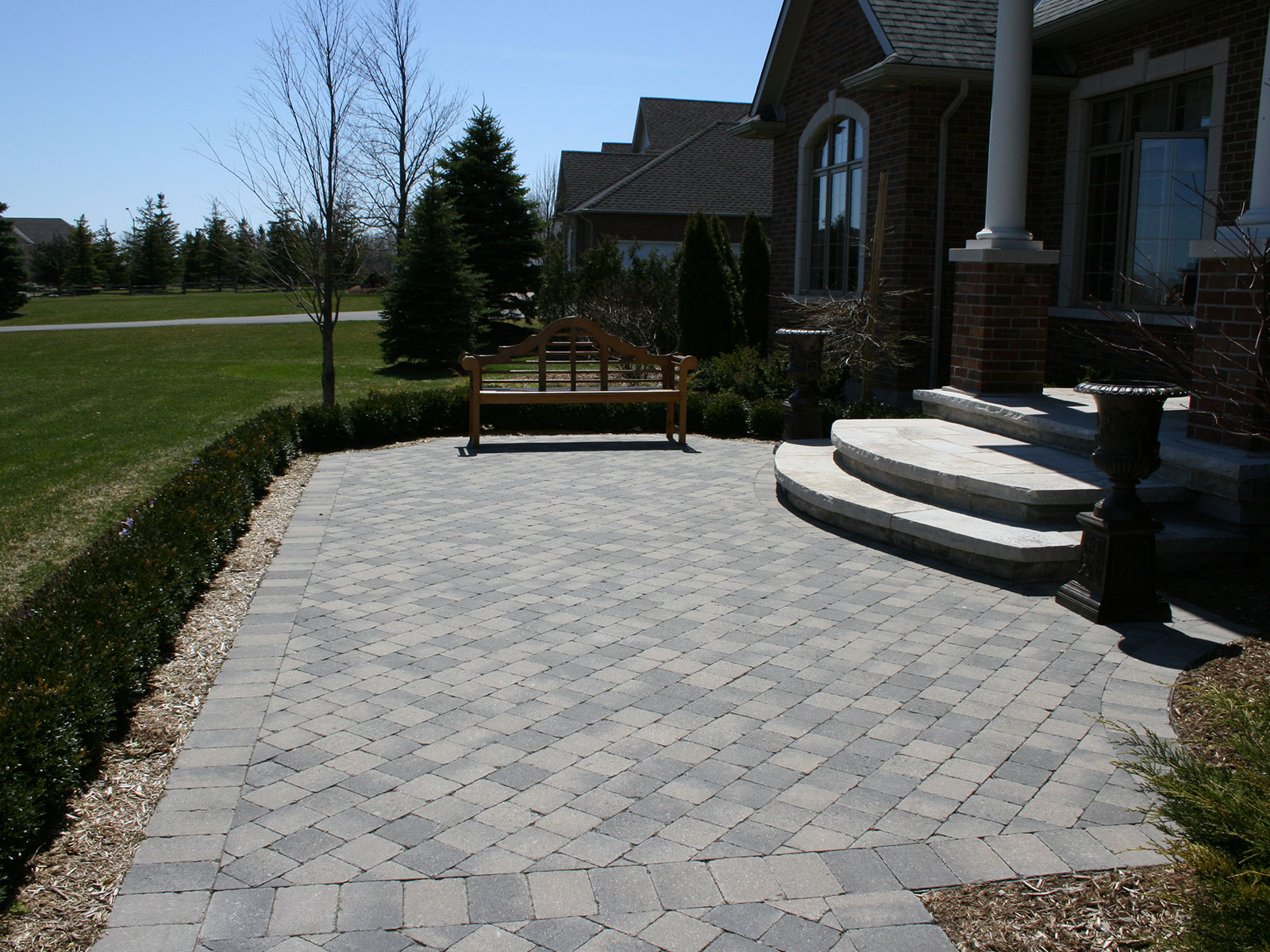 Colonnade Walkway - Flagstone Curved Steps