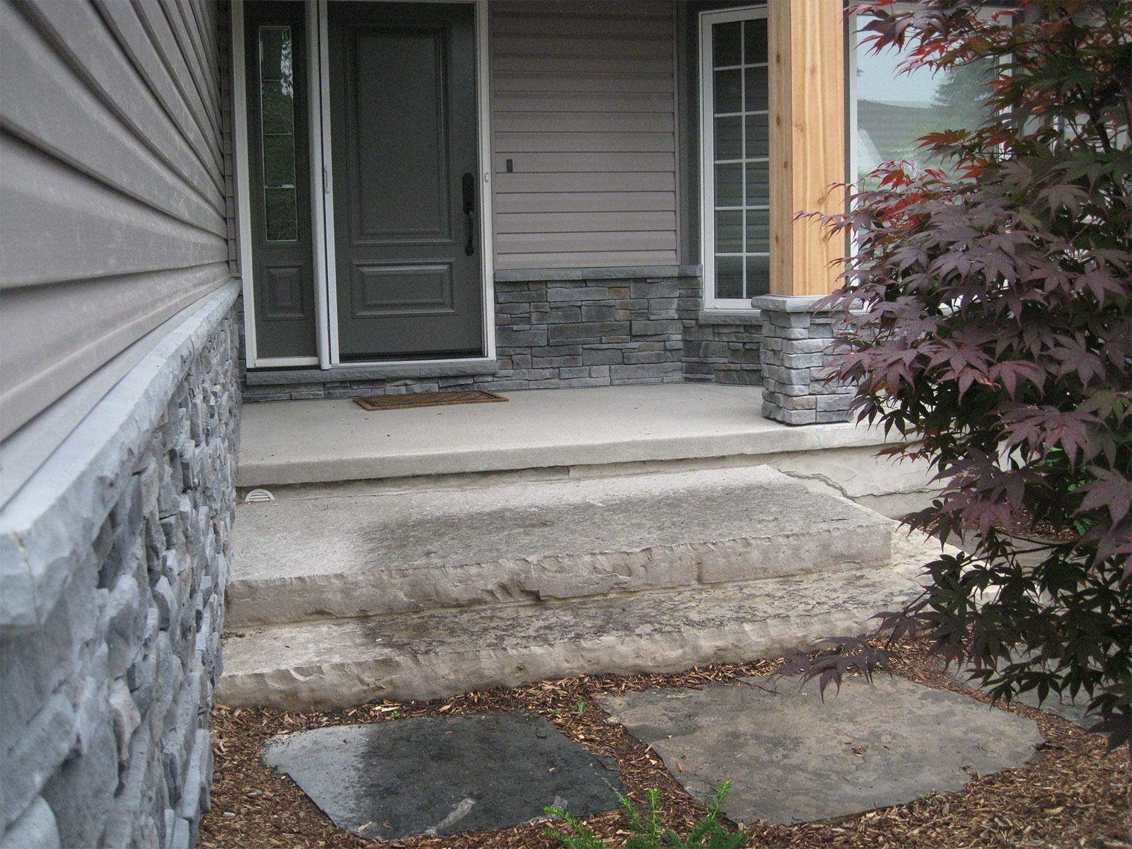 Limestone slab step - Landing