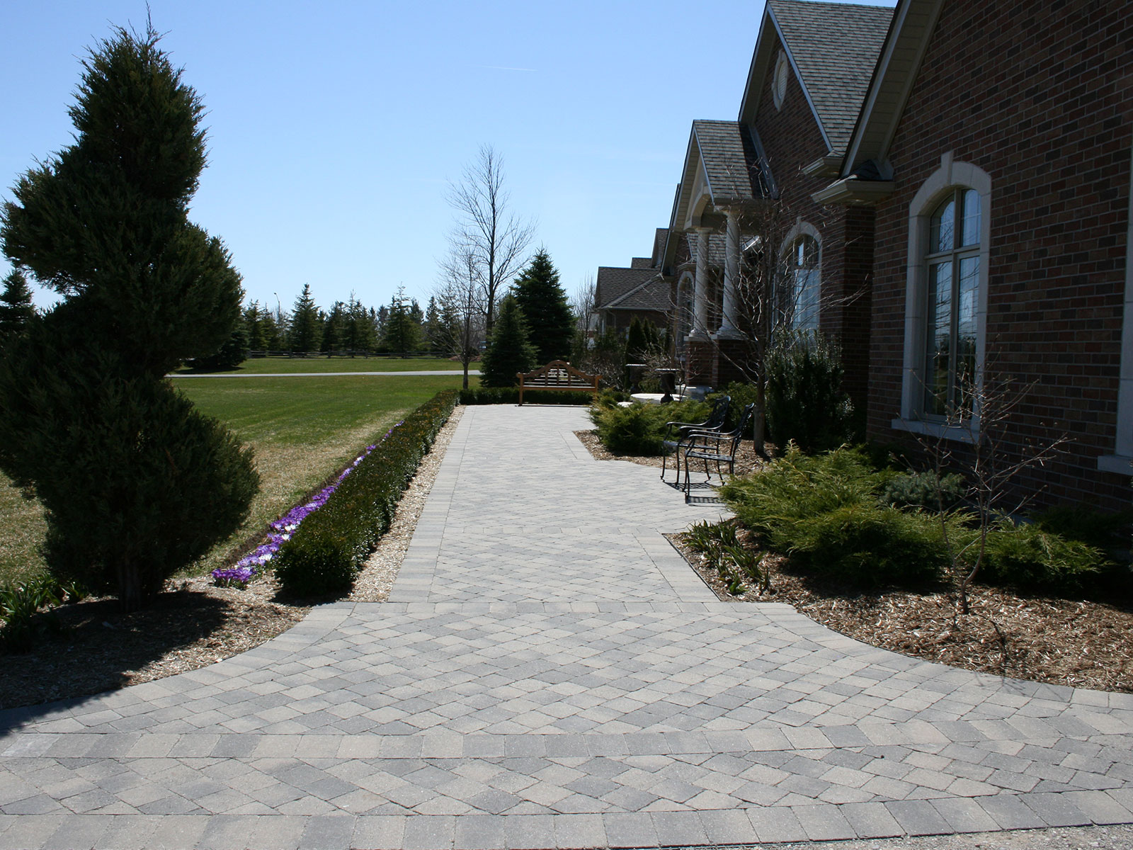 Oaks Colonnade Concrete Paver Walkway