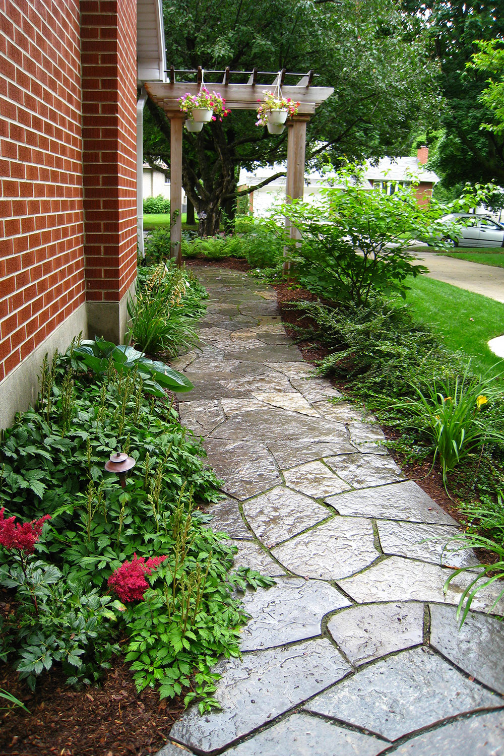 Side Yard Random Flagstone Walkway