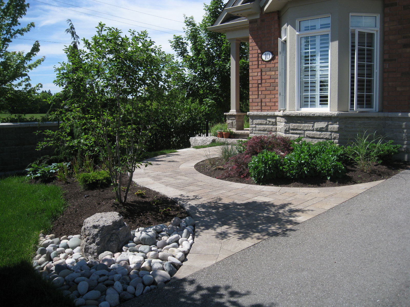 Techo-Bloc Mista Concrete Paver - Curved Walkway