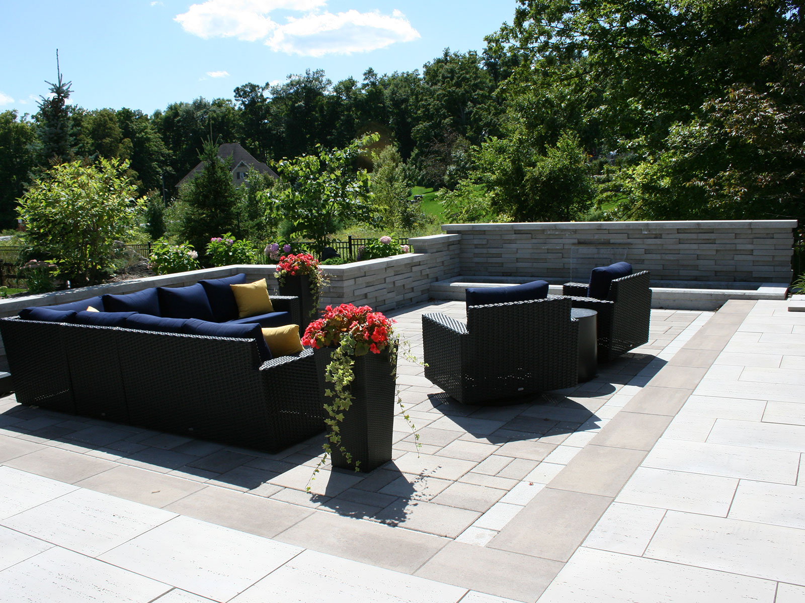 Techo Bloc Graphix Wall - Blu Permeable Paver Patio