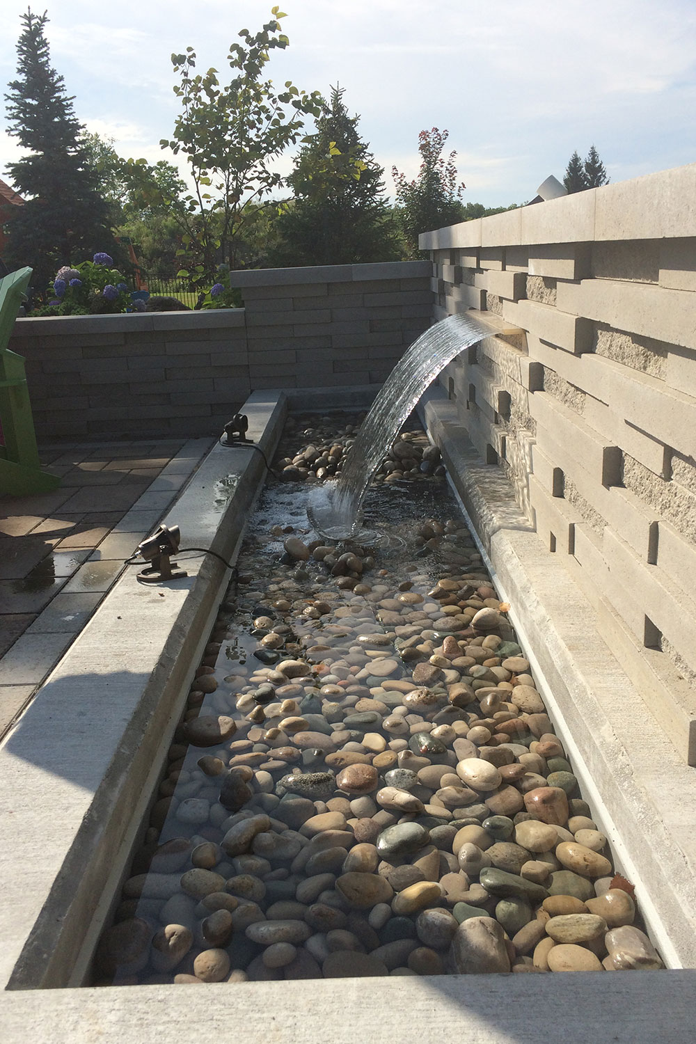 Techo Bloc Graphix Wall water feature